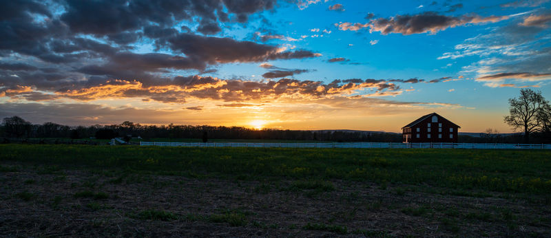 UP6_2116-30.jpg :: Sunset next to a red barn on the field.