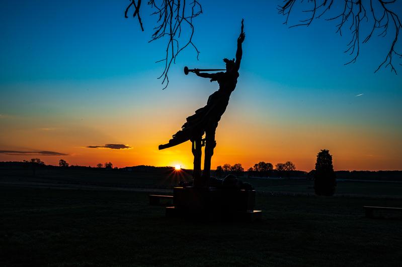 UP6_5155.jpg :: Morning sun rising at the Louisiana Monument in Gettysburg.  #photooftheday, #Gettysburg, # Dawn, #sunrise, #skysultans
