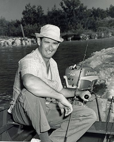 celebrities (2-018LR) Ted Williams running boat in the Florida Keys.jpg