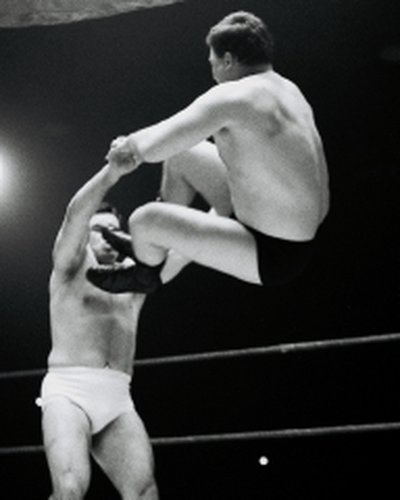 Dave Phillips v Bobby Barnes2  edited  18Apr64 not sure of identity.jpg