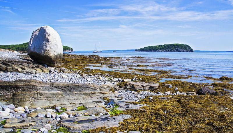 Balance Rock - Bar Harbor - Maine - New England - USA.jpg