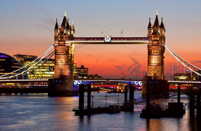Tower Bridge Night.jpg