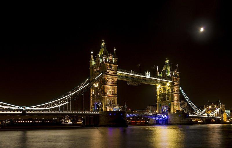 Tower Bridge by moonlight - London.jpg