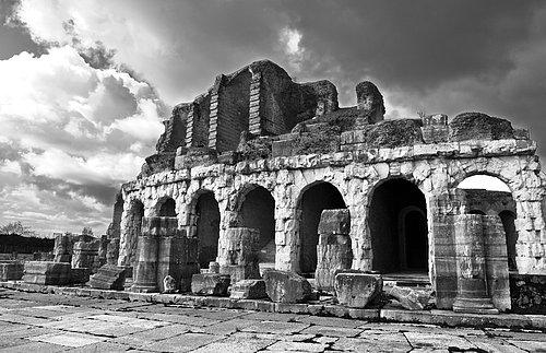 Roman Ruins at Capua.jpg
