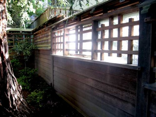 Back-yard-fence-east.jpg