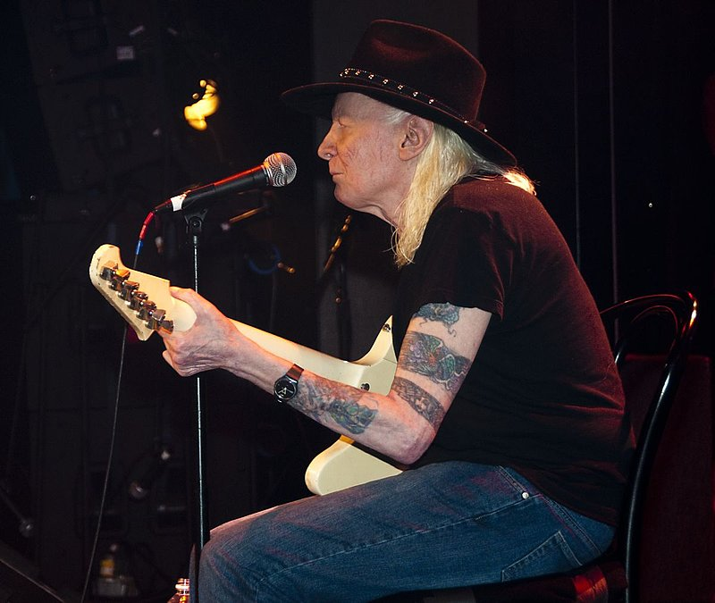JW-Johnny Winter-LRBC-2010-0124-001e.jpg