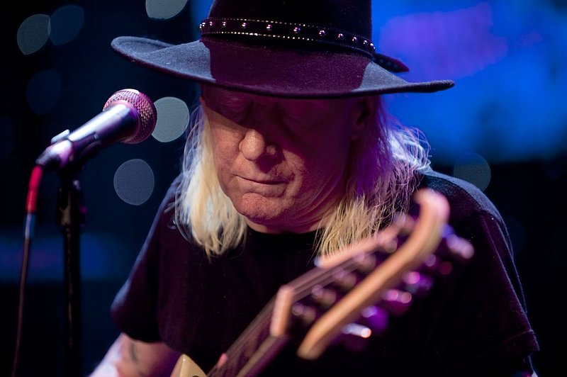 JW-Johnny Winter-LRBC-2010-0124-069e.jpg