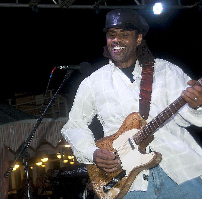 Jam-KN-Kenny Neal-LRBC-2010-0123-034e.jpg