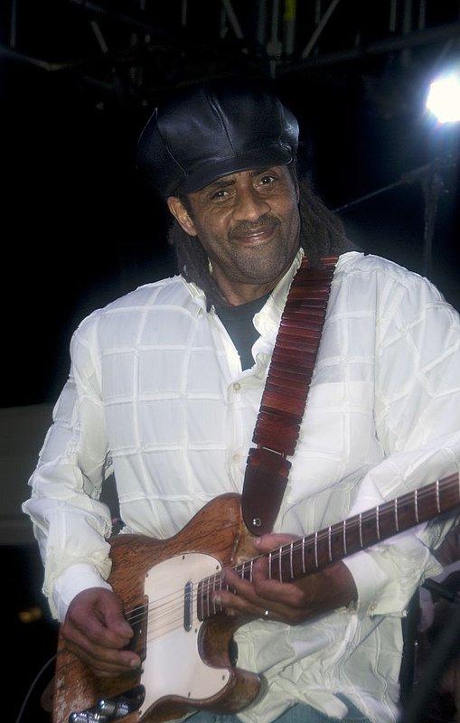 Jam-KN-Kenny Neal-LRBC-2010-0123-038e.jpg