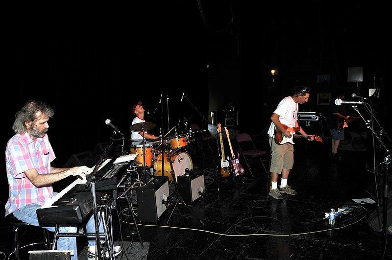 _ND30929e.jpg :: Kevin Pakulis Band, Rialto, Tucson, August 16, 2008