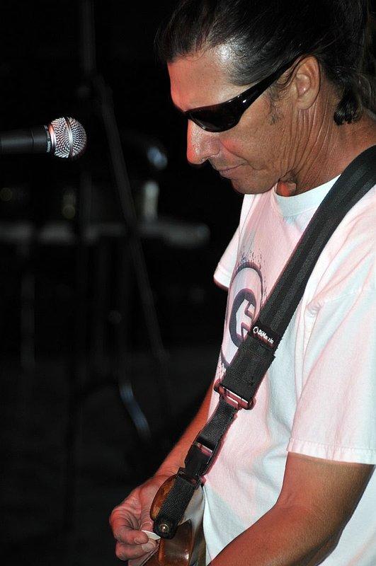 _ND30951e.jpg :: Kevin Pakulis Band, Rialto, Tucson, August 16, 2008