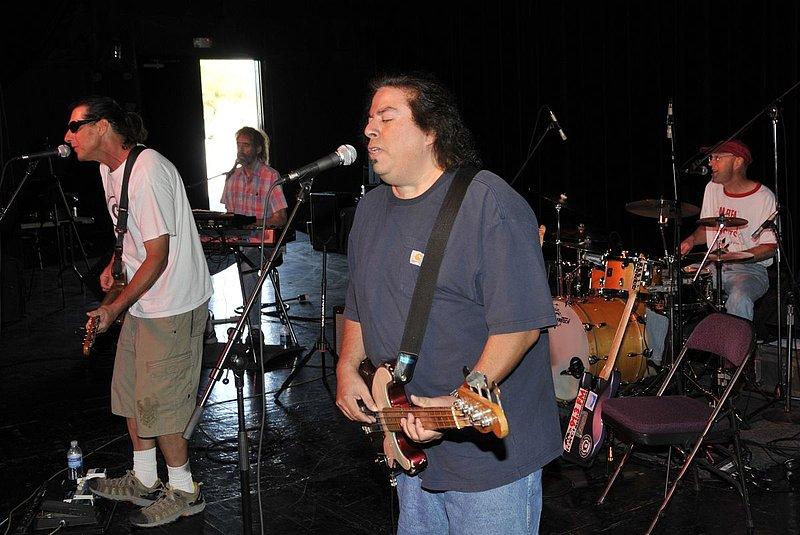 _ND30953e.jpg :: Kevin Pakulis Band, Rialto, Tucson, August 16, 2008