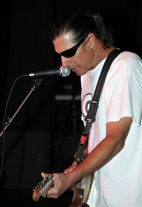 _ND30956e.jpg :: Kevin Pakulis Band, Rialto, Tucson, August 16, 2008