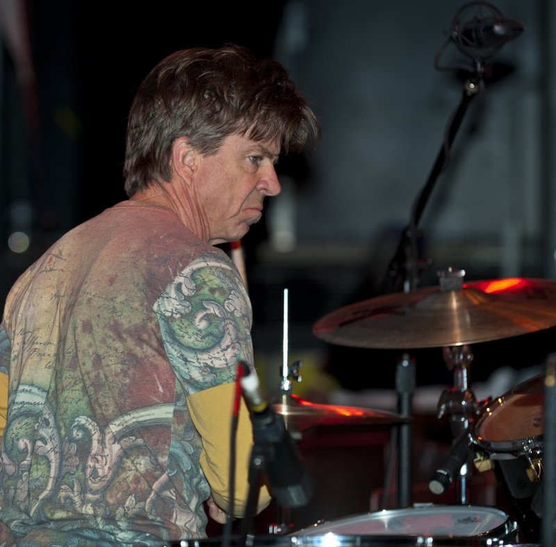 KWS_Chris_Layton_Drums_LRBC_JAN_2011_0122_0001e_web1200.jpg