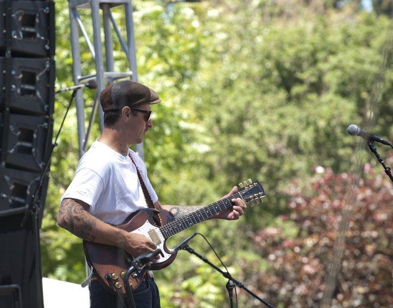 EL-Band-SCrzBF-2010-0529-024e-web1200.jpg