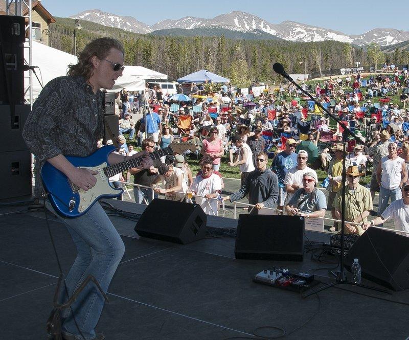 MS_Band_Views-COL-BluesFromTheTop-2011-0626-019e_WEB_1200.jpg