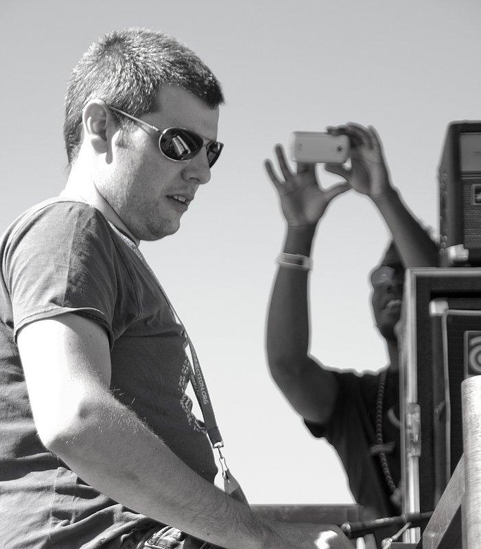 MS_Jonny_Henderson_Keyboards-COL-BluesFromTheTop-2011-0626-004e_WEB_1200.jpg