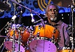 HB-Popsy Dixon-Drums-2009-0125_ND31369e.jpg