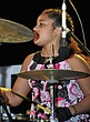 HJB-Taya Perry-2009-0127_ND34411e.jpg