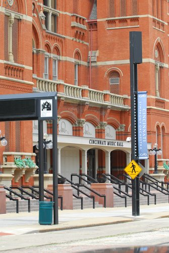 D9U-558 Cincinnati Music Hall.jpg
