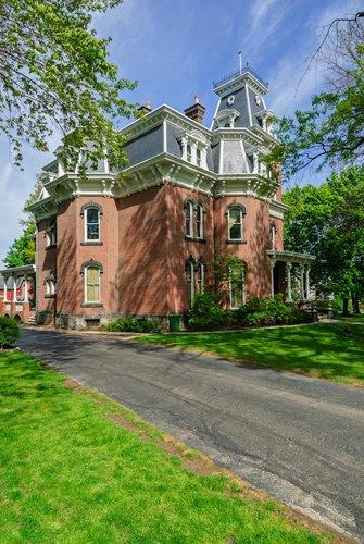 D1U-197-Hower House.jpg