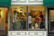 D8L131 Gallery Hop.jpg