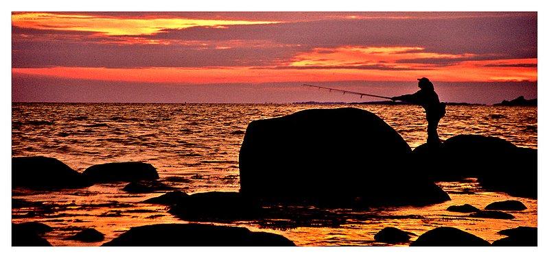 04Weekapaug-fisherman-copy.jpg