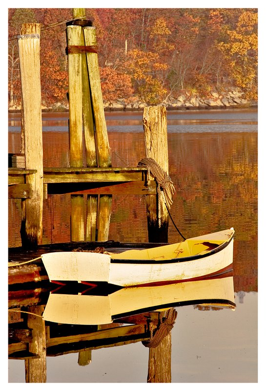 yellow rowboat.jpg :: Mystic - A yellow rowboat on the placid Mystic River.