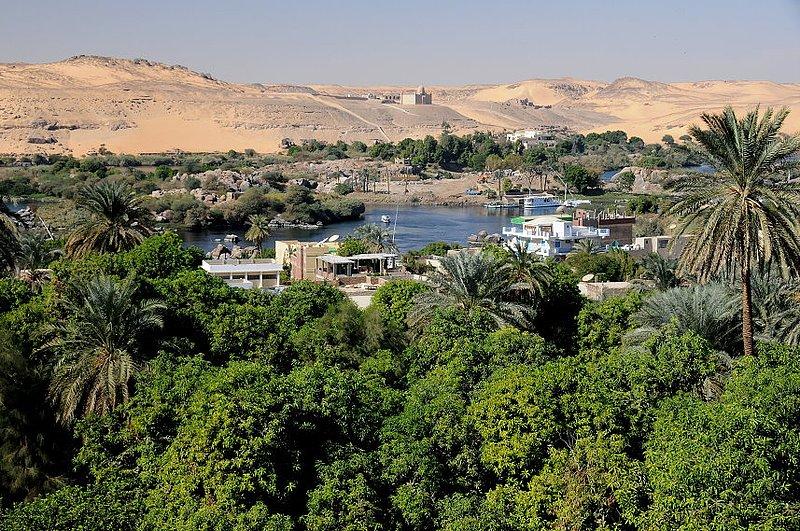 Aswan (3) W.jpg