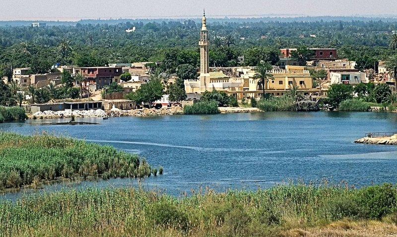 Suez 7571.jpg