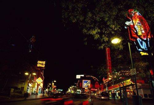 Clifton Hill Niagara W.jpg