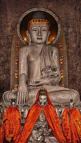 Jingan-Temple-Buddha-Shanghai.jpg