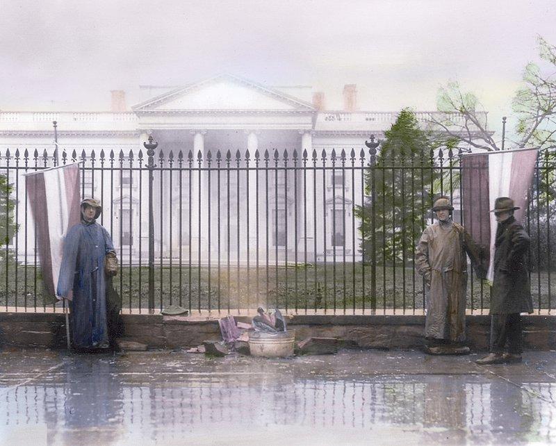 WhiteHouseBurning.jpg :: Suffragists Light Bonfire in front of White House, Washington DC, 1919