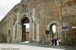 Medieval Gate2 Siena.jpg