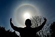 Holding the Halo -- Accueillir le Halo.jpg