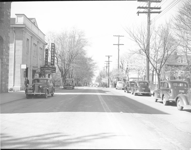 102A-A Wisconsin Avenue Facing North from Bank of Bethesda 1939.jpg :: WISCONSIN AVE LOOKING North 1939