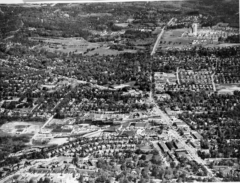 A136A-1 Aerial View Bethesda Wisconsin Ave Naval Medical Center May 1948.jpg
