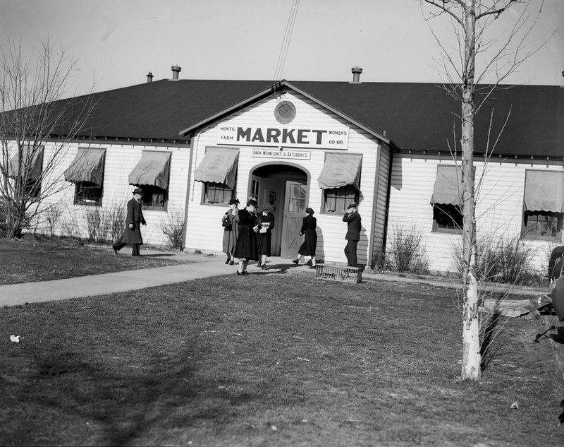 A211-A Montgomery Farm Womens Co-op MarketExterior Wisconsin Ave 1939.jpg