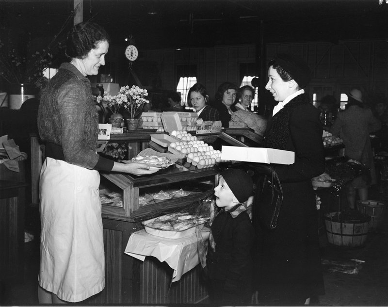 A211-K Montgomery Farm Womens Co-op Market Interior Wisconsin Ave Try a Sample 1939.jpg