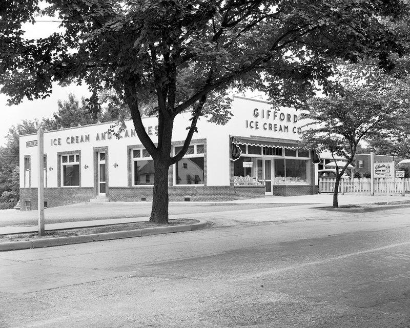 A298-21 Gifford Ice Cream Co Wisconsin Ave.jpg :: Gifford Ice Cream Co on Wisconsin Ave