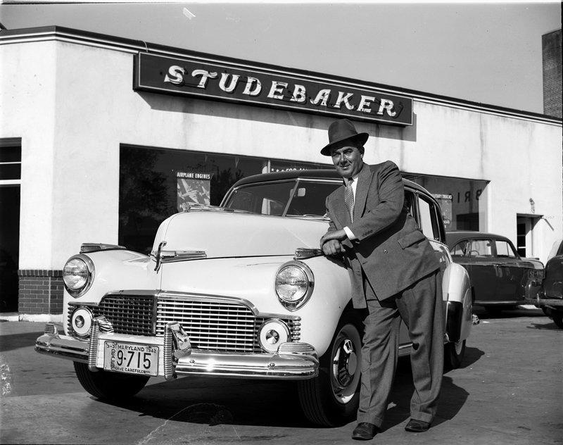 A400-1 Dellinger Plum Inc. Studebaker 1942.jpg