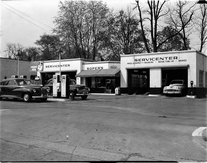 A515A Soper Esso Station 1947.jpg