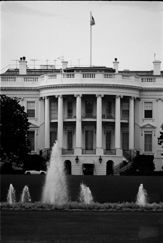 70-11A (005-0122 White House close up.jpg
