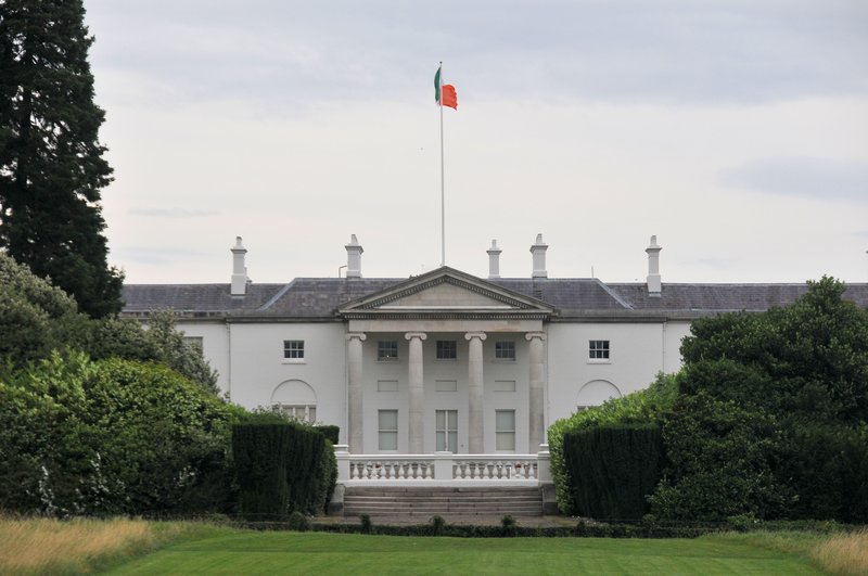 Presidents Home.jpg :: This is the home of Idependent Ireland's President, note the light in the window, it  burns to light the way home for all Irishmen who wander the world.