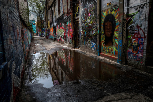 Graffiti Alley Toronto.jpg