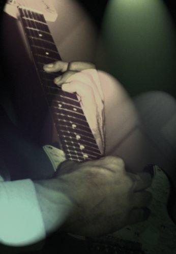 Bob on guitar 02.jpg