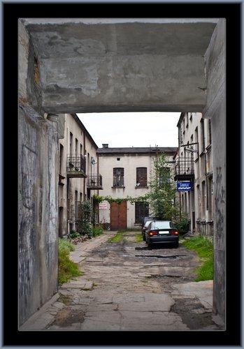 Czestochowa Alley 05.jpg