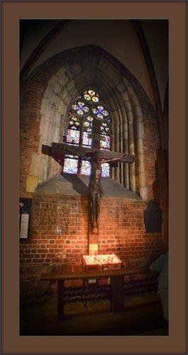 St Eliz Crux 02.jpg