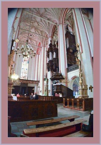 Torun Church 02.jpg
