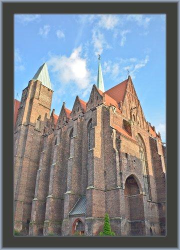 Wroclaw Church Ext 01.jpg